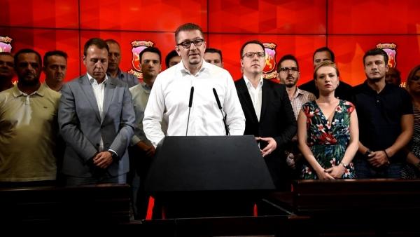 Жестока реакција на Мицкоски: Ова е договор за капитулација, не поддржуваме промена на Устав за промена на уставното име (ВИДЕО)