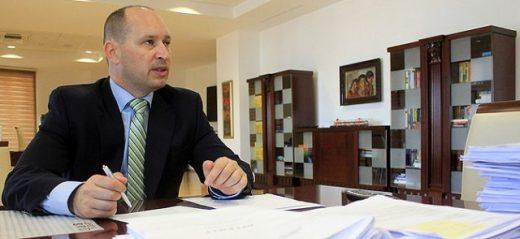 Миновски: Со запирањето на инфраструктурните проекти дојде до пад на економската активност