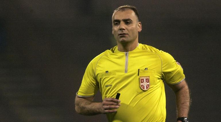 Фудбалскиот судија кој беше уапсен за најскандалозниот пенал пуштен од затвор, но тука не е крајот на неговите проблеми