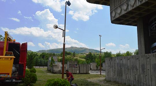 Ревитализирано осветлувањето пред спомен костурницата во Кавадарци