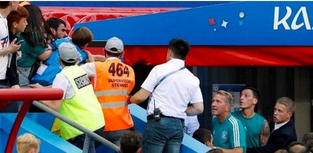 Озил во жесток вербален дуел со навивачите, поразот тешко го поднесоа (ФОТО)
