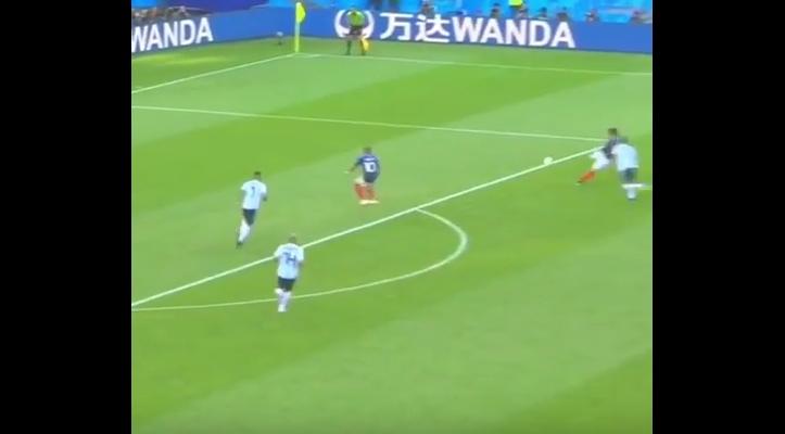 Уште една бомба на мечот Франција- Аргентина: Погледнете го брилијантниот гол на францускиот дефанзивец (ВИДЕО)