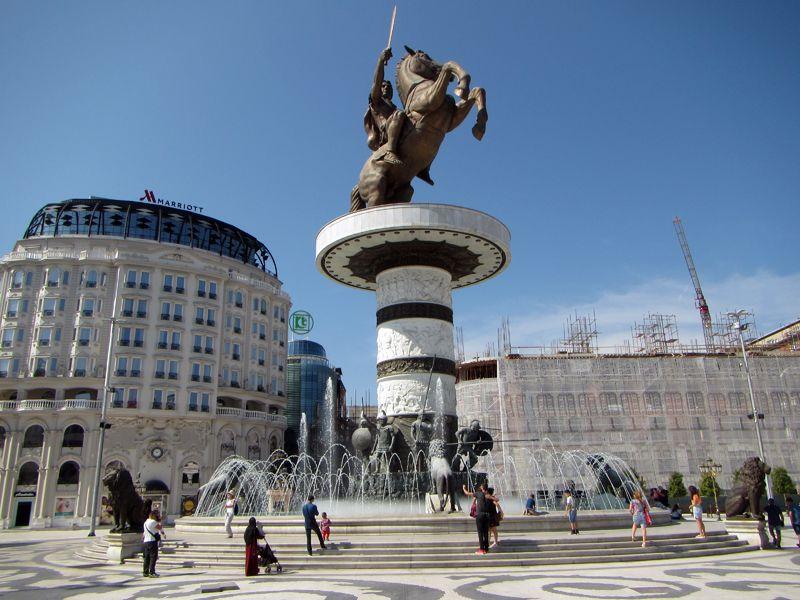 Споменикот на Александар Македонски ќе се сели во Солун или ќе добие натпис дека е дел од грчката култура