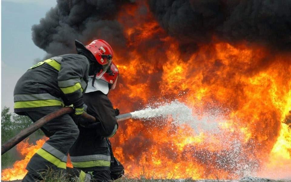 Голем пожар во северно предградие на Атина