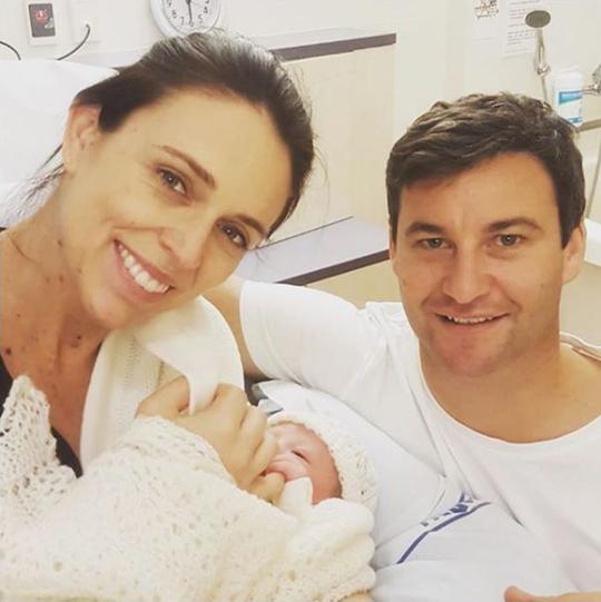 Премиерката на Нов Зеланд роди девојче среде својот мандат (ФОТО)
