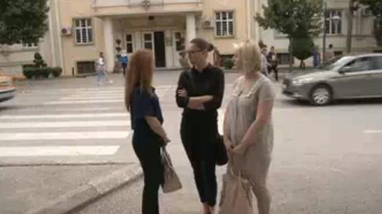 Голготата на 75-те избркани битолски наставници продолжува- градоначалничката Петровска се поигрува со нивните судбини