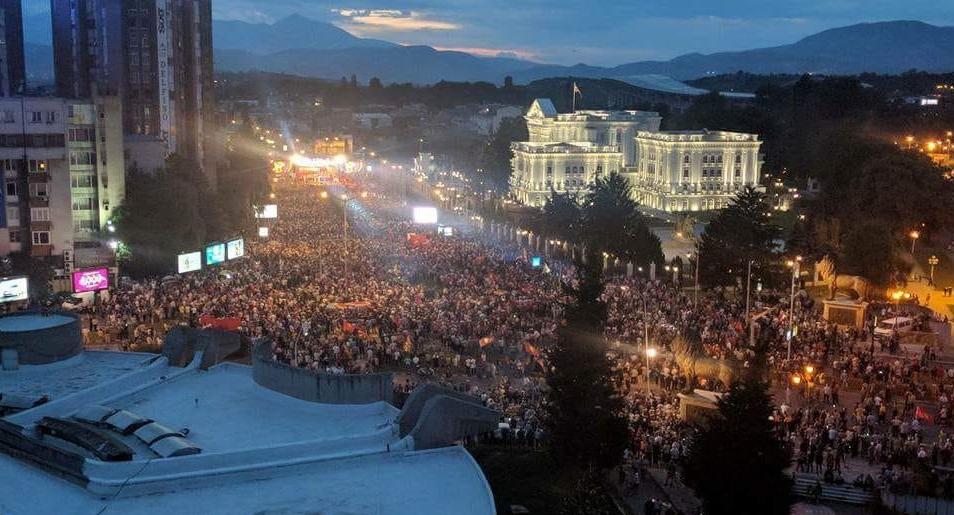 Нонковиќ: Македонскиот народ се ослободи од прангите и дојде по своето!