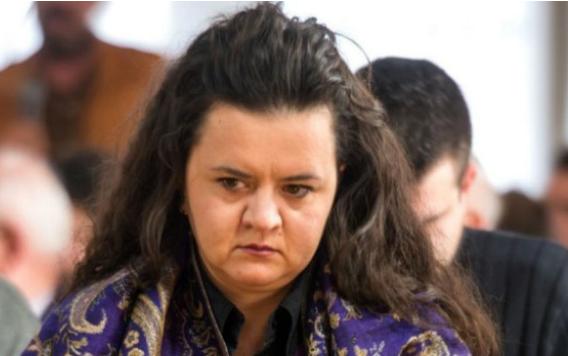 Фросина Ременски останува без пасош