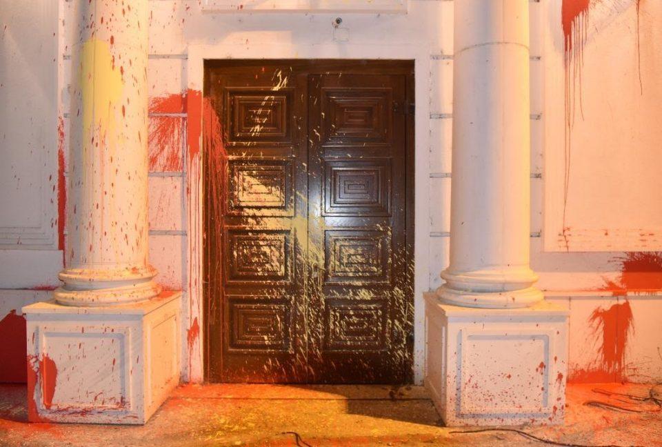 Мицкоски: За оние кои го нападнаа штабот на ВМРО-ДПМНЕ треба да го прашате Заев, но сторителите и нарачателите треба да знаат дека имаме институционална меморија