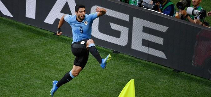 Уругвај ја совлада Саудиска Арабија и обезбеди пласман во осминафинале