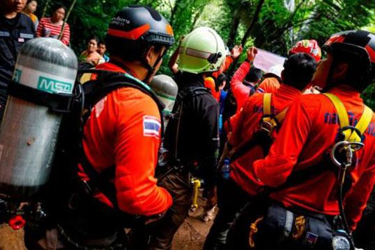 Млади фудбалери три дена блокирани во поплавена пештера