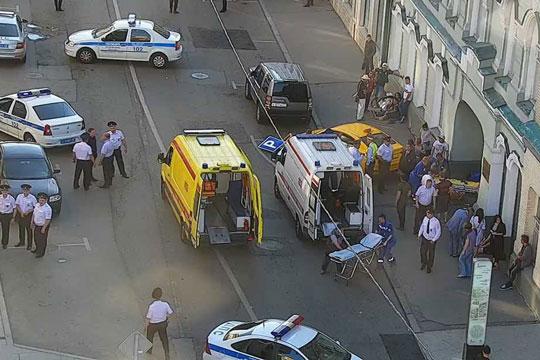 Рускиот таксист заспал зад волан и случајно притиснал на гас