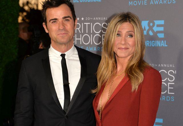 Веќе не се кријат: Поранешниот сопруг на Џенифер Анистон во врска со нејзината пријателка