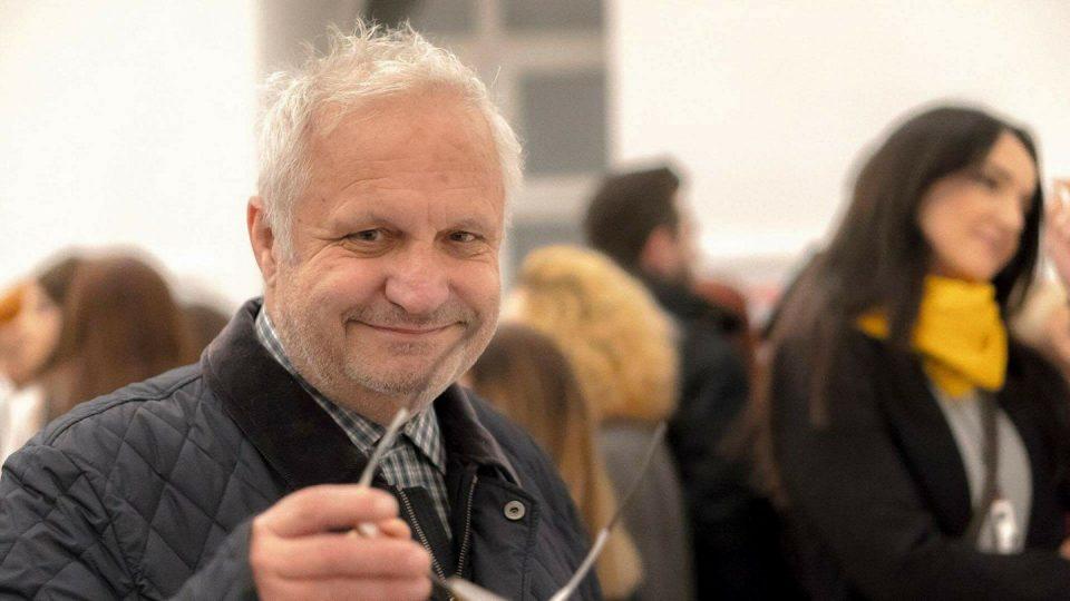 Новинарот близок до власта со ужасен говор на омраза кон децата на Мицкоски, ќе реагира ли некој против Тричковски?