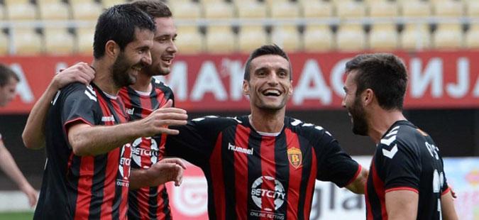 ФК Вардар им се заблагодари на капитенот и неколку други играчи