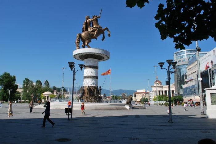 """Бошњаковски: """"Воинот на коњ"""" во центарот на Скопје ќе се преименува, а ќе стои и табла дека е од грчката историја"""