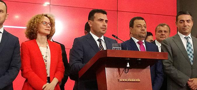 Заев: Предвремени избори може и со референдумот и со претседателските избори