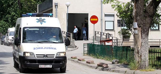 Престрелка во Тетово: 3 лица повредени, пренесени на клиниките во Скопје