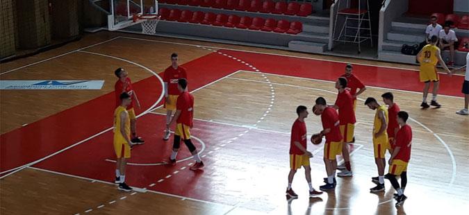 Македонските млади кошаркари уште еднаш ја победија Романија