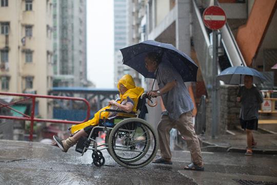 Шангај во опасност поради силни дождови и ветрови
