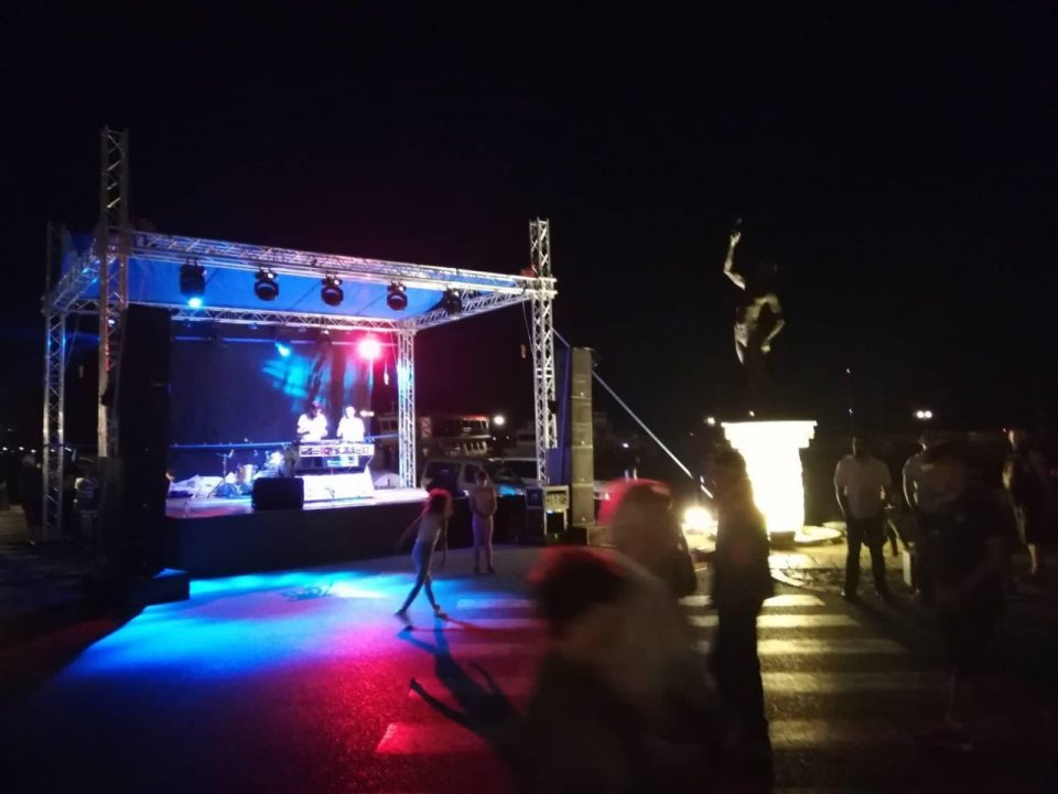 Влатко Лозаноски Лозано не дојде да пее на прославата за НАТО во Охрид