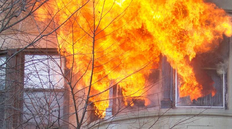 Гостиварец повреден во пожар кој избувнал во неговиот стан, го спасила сопругата