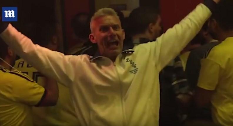 ХИТ НА ИНТЕРНЕТ: Англичанец ја прослави победата сам во бар полн Колумбијци (ВИДЕО)