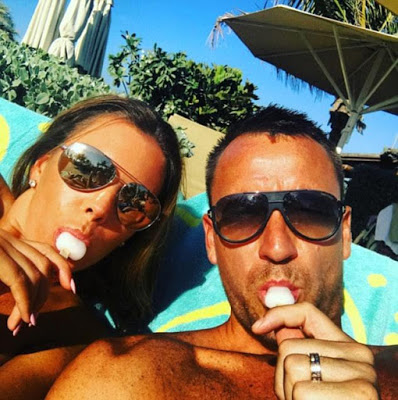 Најпознатиот англиски фудбалер изнајмил приватен остров само за него и сопругата за да може да се фотографираат голи (ФОТО)