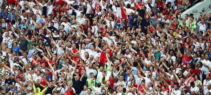 Англија под истрага од ФИФА поради скандирањата на фановите во мечот со Хрватска