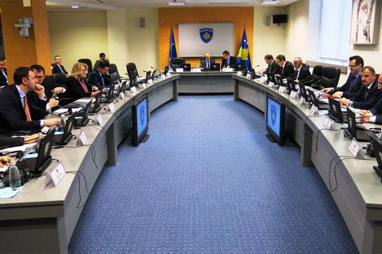 Антикорупциската комисија најави кривични пријави за зголемувањето на платите на косовските министри