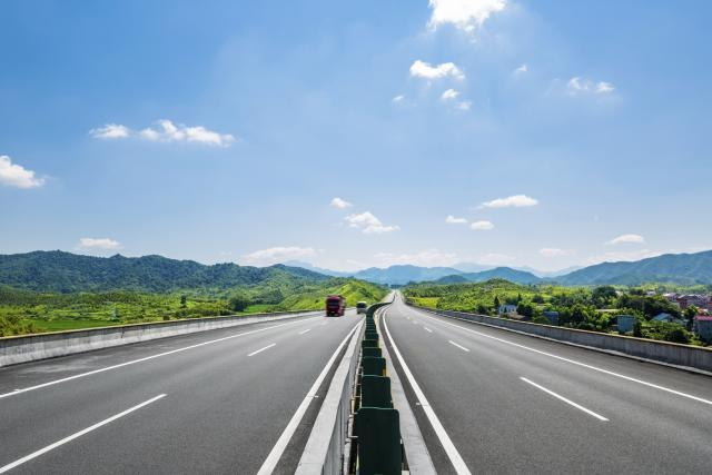Сообраќајот на државните патишта по суви коловози
