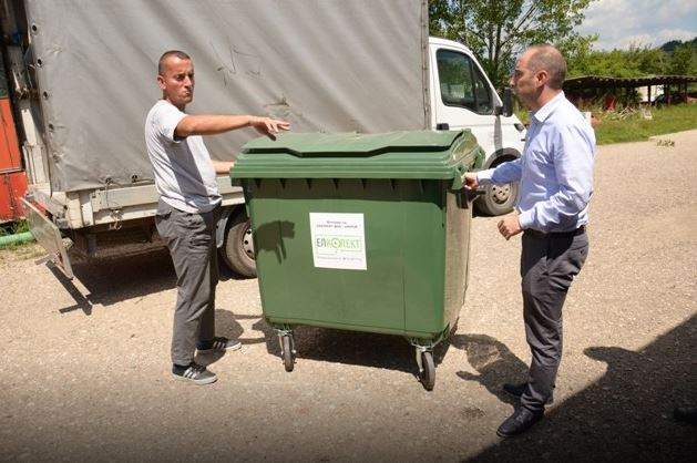 Општина Берово се пофали со донација од еден контејнер