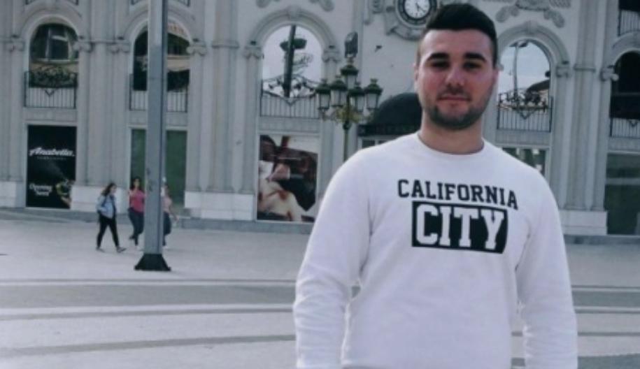 Почина спасувајќи дете во Грција, погребан е 22-годишниот херој Бурхан од Арачиново