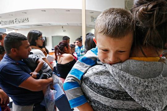 САД:Одбиено барањето да се продолжи времето за држење деца мигранти во притвор