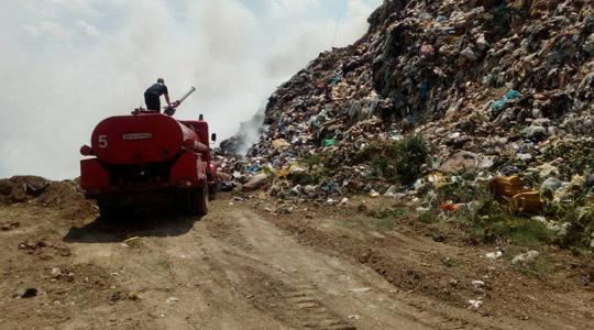 Пожар во депонијата Краста, се шират густи облаци од чад и непријатен мирис