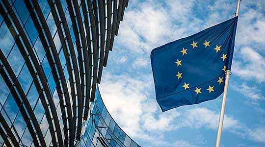 ЕУ: Социјалните мрежи постигнаа напредок во борбата против говорот на омраза