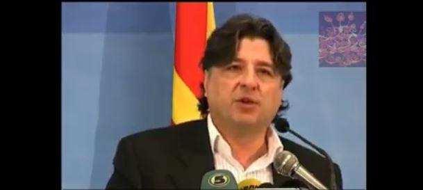 Фрчкоски во 2010: Владата да го реши спорот со името без промена на Уставот на земјата