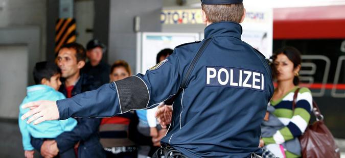 ЕУ ќе го разгледува мигрантскиот договор меѓу Меркел и Зехофер