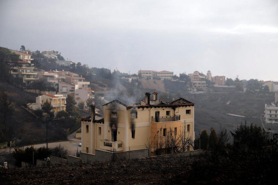Прегрнати заминале во смрт: Во вила близу Атина пронајдени 26 изгорени тела, има сомнежи дека страдало цело семејство (ВИДЕО)
