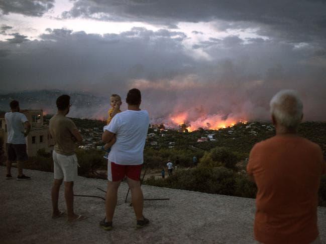 Зошто настрадаа толку многу луѓе во пожарите во Атина?