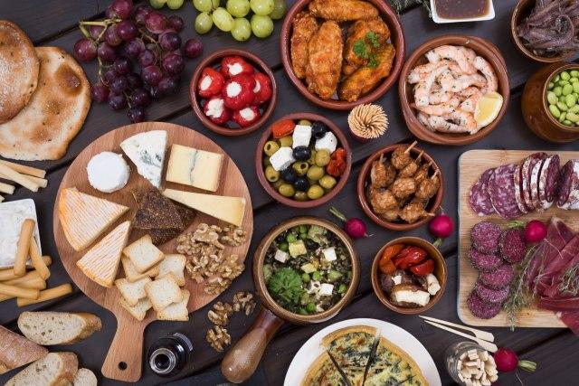 Исхрана според крвната група: Еве што не би требало да јадете за да ги намалите килограмите