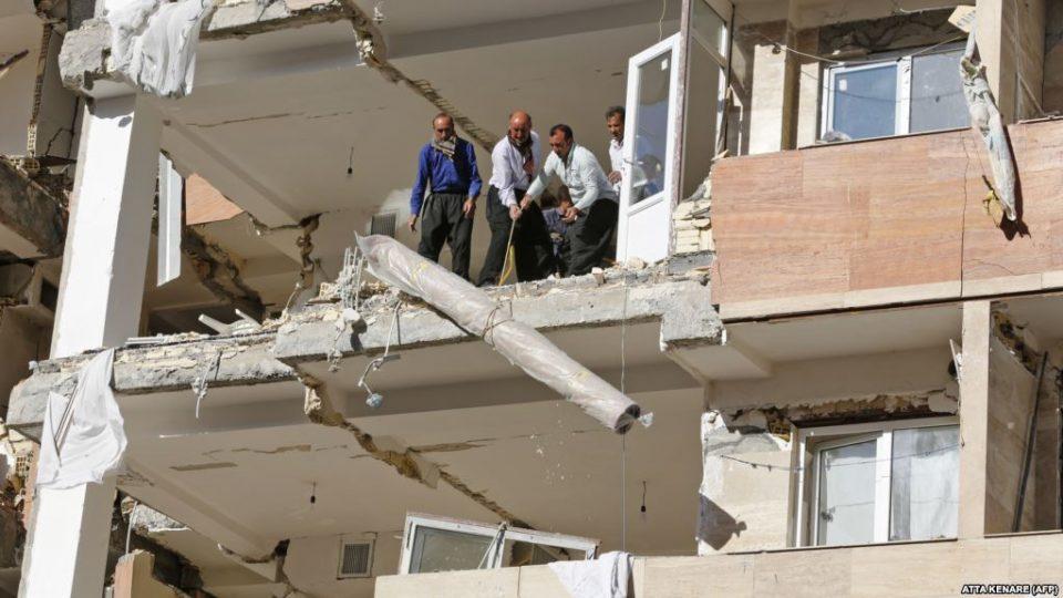 Иран го тресат земјотреси, најмалку 25 повредени