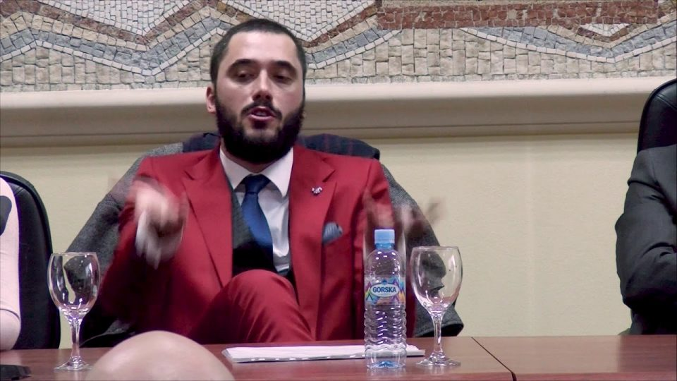 Митровски: Артисти охрабрете се, можеби ќе изгубите еден хонорар, ама ке добиете милион фанови, за интегритет да не збориме