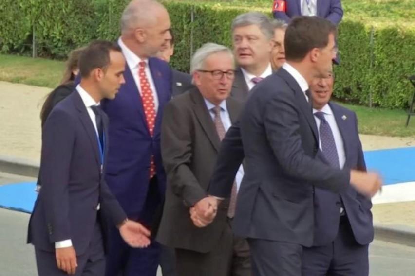Новинар го праша Јункер дали бил пијан на НАТО самитот- еве што одговори тој