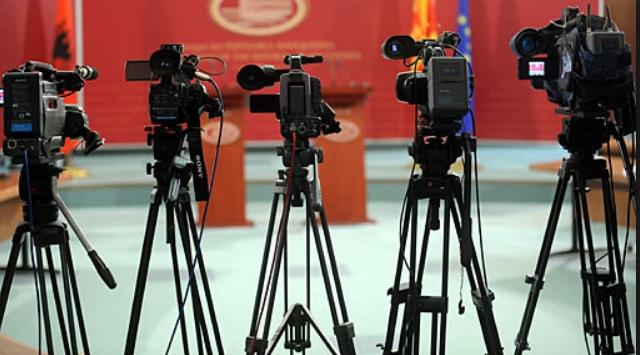Новинарите континуирано под закани од власта!