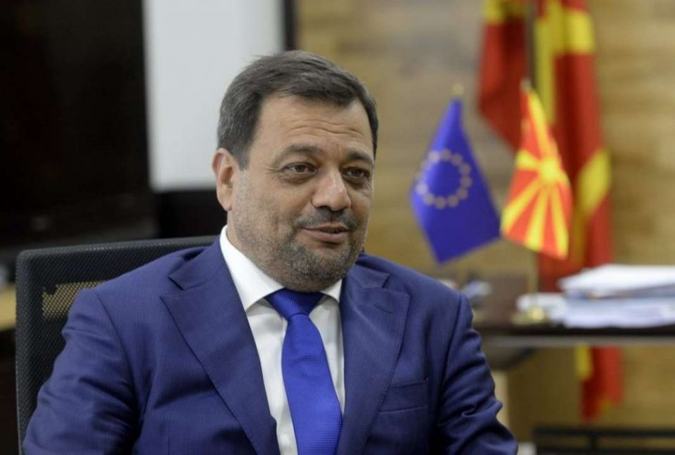 Фирмата ЕДС на Кочо Анѓушев ги судри власта и опозицијата во Грција