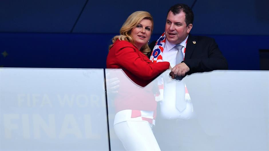 Колинда попопуларна од Модриќ- во минатото го доела своето бебе пред политичарите, а нејзиниот сопруг ја оставил кариерата поради неа