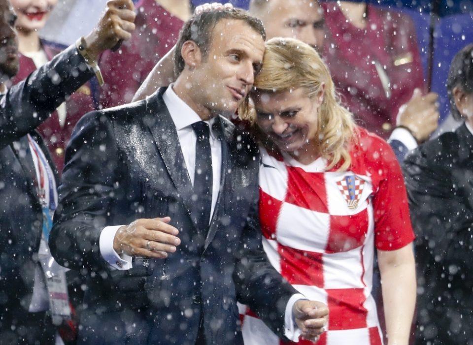 Целиот свет зборува за оваа фотографија- каде Колинда го чепка Маркон, додека неговата сопруга е до него?