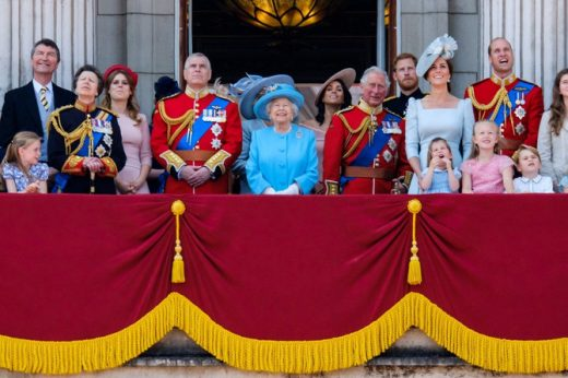 Постои план за евакуација на кралското семејство ако има немири поради Брегзит