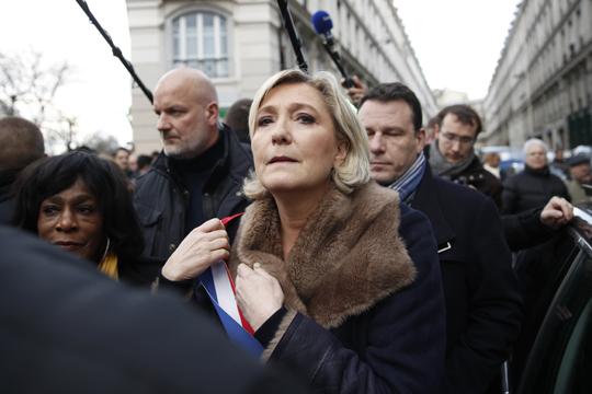 Ле Пен тврди дека судот сака да ја уништи нејзината партија